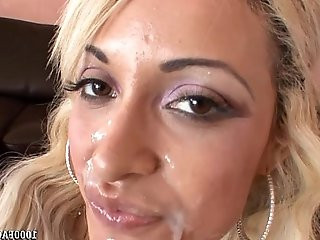 Porn Superstar London Giana Takes Facial Cumshot