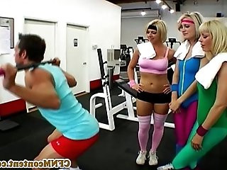 CFNM gym babe Kimberly Kane sucks cock