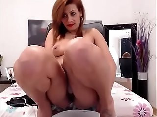 Hot Romanian Babe Pissing Smoking Whore