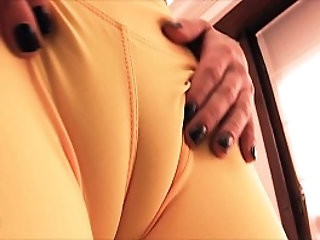 Incredible Cameltoe Teen Working Out!! Perfect Round Ass Too!